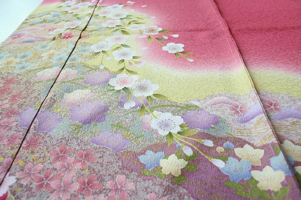 桜柄ラメ入りチェリーピンク地振袖  拡大表示します