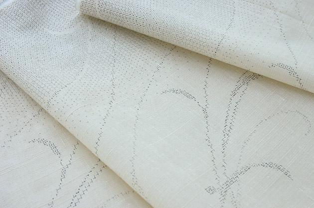 乳白色 本真綿手織り紬(絹100%)